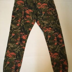 LRG army fatigue cargo joggers size 30